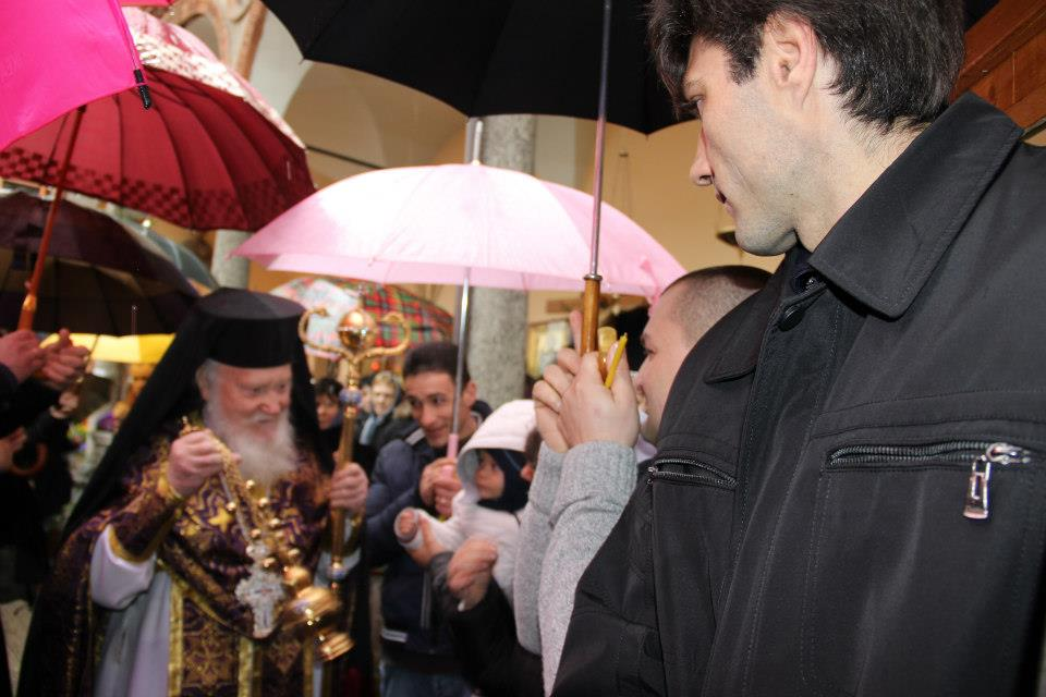 Milan: Former Metropolitan Evloghios Puts on Mitre, Declares He's Back